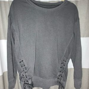 AE heather gray sweatshirt